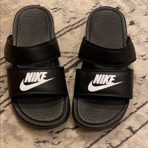 NIKE sandals!!